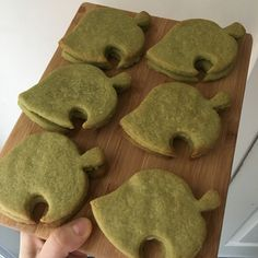 I made sandwich cookies! they're matcha flavour + the filling is white chocolate! Pretty Cakes, Cute Cakes, Cute Food, Yummy Food, Frog Cookies, Cute Baking, Iranian Food, Cute Desserts, Aesthetic Food