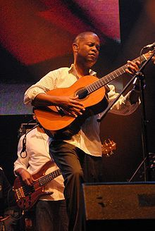 Earl Klugh: Living Inside Your Love, Dance With Me, Wishful Thinking, This Time, Like a Lover