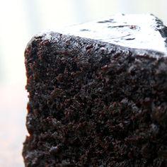 Double Chocolate Cake, Dark Chocolate Cakes, Chocolate Desserts, Chocolate Ganache, Sweets Cake, Cupcake Cakes, Cupcakes, Poke Cakes, Layer Cakes