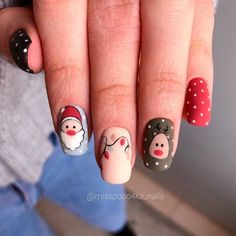 Christmas Nail Design with Santa ❤ 40+ Popular Ideas of Christmas Nails Designs To Try ❤ See more ideas on our blog!! #naildesignsjournal #nails #nailart #naildesigns #nailscolors #winternails #christmasnails #christmas #christmasnailsdesigns Christmas Gel Nails, Christmas Nail Designs, Linda Tran, Pink Glitter Nails, Holiday Mood, Dipped Nails, Summer Acrylic Nails, Jelsa, Cool Nail Designs