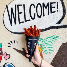 ■SWEET  CUT POTATO  さつま芋を使った甘くて美味しいスイートカットポテト。POTA SUN'S FRYDAY唯一のデザート感覚で楽しめる人気のカットです。 Okinawa, Hold On
