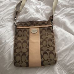 EXCELLENT CONDITION COACH CROSS BODY Tan and brown cross body purse Coach Bags Crossbody Bags