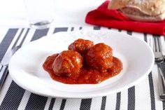 Receta de albóndigas con tomate en Crock Pot. Receta paso a paso con imágenes y recomendaciones de elaboración. Recetas de carne en slow cooker.