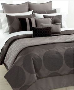 Revive the look of your bedroom with the bold geometric appeal of this Alto decorator set. Woven jacquard textures lend a tailored air of sophistication while soft shimmering fabric and embroidery on accent pieces provide the set with hints of elegance.