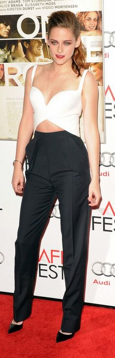 Who made  Kristen Stewart's black pants, white top, and black pumps that she wore in Hollywood on November 3, 2012?