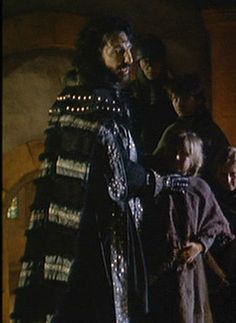 Alan Rickman as the good Sheriff in Prince of Thieves with Kevin Costner Dutch Store, Kevin Costner, An Elf, Alan Rickman, Book Tv, Half Blood, Musketeers, Movie Costumes, Sheriff