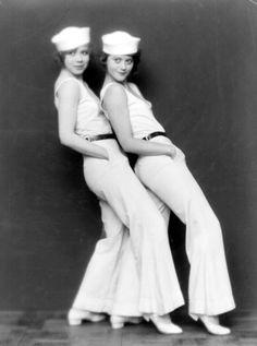 The actresses,dancers and sisters Maria Solveg alias Maria Matray and Katta Sterna, dancers of the Matray Ballet,late 1920s @Terri Osborne McElwee Osborne McElwee Lannom Staton