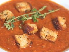 Have you ever had the roasted tomato basil soup from the Corner Bakery Cafe? It's my favorite! I crave it all the time! But there's no Corner Bakery Cafe here in New England so I can… Roasted Tomato Basil Soup, Roasted Tomatoes, Tomato Soup, Veggie Recipes, Soup Recipes, Cooking Recipes, Healthy Recipes, Good Roasts, Soup Kitchen