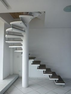 21 Ideas Floating Stairs Modern 21 Ideas Floating Stairs Modern Click The Link For See Spiral Stairs Design, Home Stairs Design, Interior Stairs, Spiral Staircase, Escalier Art, Tiny House Stairs, Building Stairs, Steel Stairs, Concrete Stairs