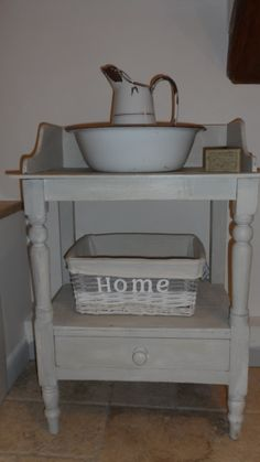 Washstand - decided to keep cos looks great beside my bath.