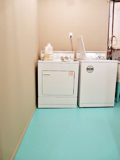 Learn how to paint a concrete floor and check out my new turquoise concrete laundry room floor! Read my tips for painting concrete floors and see the before/after. Painting Basement Floors, Basement Flooring, Basement Remodeling, Basement Ideas, Basement Waterproofing, Basement Inspiration, Basement Laundry, Laundry Room Storage, Diy Storage