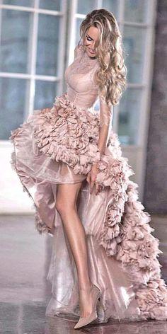 Top 15 High Low Brautkleider ❤ Mehr sehen: www.weddingforwar … Top 15 Vestidos de novia altos y bajos … Glamouröse Outfits, Bridal Outfits, Bridal Dresses, Prom Dresses, Teen Dresses, Woman Outfits, Sleeve Dresses, Party Outfits, Club Outfits