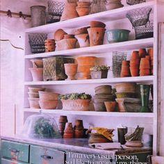 Potting shed (oooo pink! Garden Gazebo, Garden Pots, Garden Houses, Potting Sheds, Potting Benches, Outdoor Sheds, Outdoor Spaces, She Sheds, Garden Structures