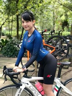 Sport girl bicycle 68 New ideas Bicycle Women, Bicycle Girl, Cycling Shorts, Cycling Outfit, Cycling Clothing, Women's Cycling, Sexy Asian Girls, Beautiful Asian Girls, Female Cyclist