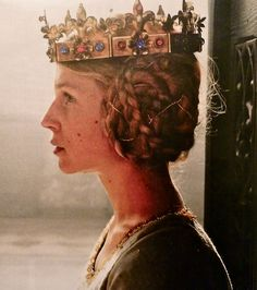 14th century. Clemence Poesy as Isabella of Valois. The Hollow Crown, BBC.