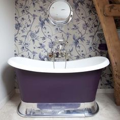 Google Image Result for http://housetohome.media.ipcdigital.co.uk/96/000011372/f7a0_orh550w550/Purple-roll-top-bathroom--traditional--25-Beautiful-Homes.jpg