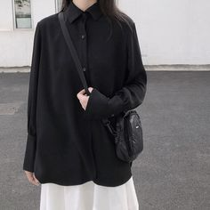 Korean Blouse, Ulzzang Fashion, Comfortable Fashion, All About Fashion, Old School, Normcore, Fashion Outfits, Black And White, My Style