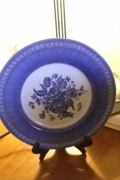 Churchill dinner plate