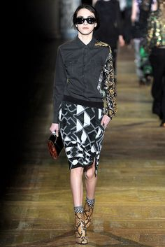 Dries Van Noten Fall 2011 Ready-to-Wear Fashion Show - Lissa (JILL)