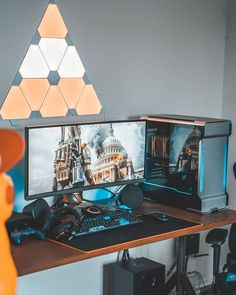The Best Gaming Desk Decor Ideas With Computer Setup 04 Source by bodogfx Good Gaming Desk, Computer Gaming Room, Computer Desk Setup, Gaming Room Setup, Pc Setup, Gaming Rooms, Super Smash Bros Brawl, Office Games, Gamer Room