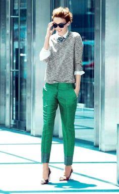Sigarette paça bir pantolon ve gömlekle harika kombinler...