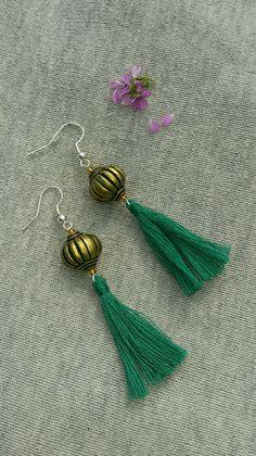 boucles d'oreilles avec perles et pompom : Boucles d'oreille par ciouboutik