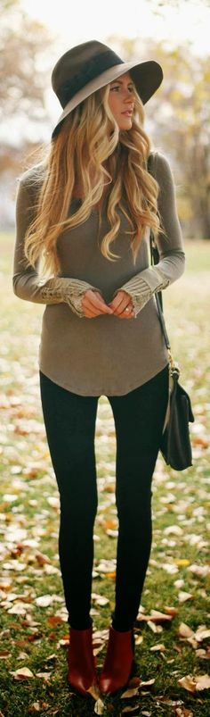 Cute shirt with black leggings and hat for fall fashion | Love the whole outfit. Especially them boots! And wide brim! And sweater! LOL