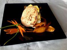 Receta de Huevos soufflé con crujiente de batata en pan de mini pita