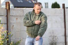 Miltec na tejto bunde robí obzvlášť široké rukávy pre ešte objemnejší vzhľad. http://www.armyoriginal.sk/2879/125086/letecka-bunda-bombera-cwu-basic-olivova-mil-tec.html