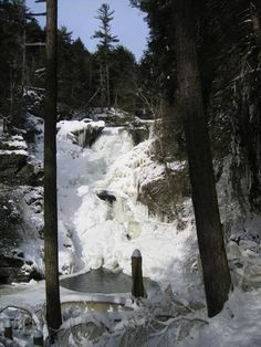Pocono Mountains, Pennsylvania: You can see by the ice and steep hills that some of the hiking will be challenging