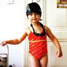 July 19th 2016: . Today's fashion statement. . 오늘의 빠쑝 선언. . #fashion #swimsuit #summer #childphotography #travel #parenting #berlin #happybelly #shewaswearingitthewholeday #orange #여름 #패션 #수영복 #똥배 #종일입고있었음 #여행 #육아 #베를린 #노마드베이비미루 . .
