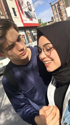 184 best hijab couple images in 2019 Cute Muslim Couples, Muslim Girls, Cute Couples Goals, Romantic Couples, Couple Goals, Cute Couple Poses, Couple Posing, Couple Shoot, Hijabi Girl