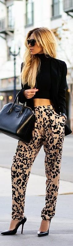 Chic Crop Tops Street Style Looks (4) summer to fall