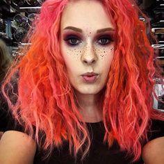 #Repost @maanomeikkaa ・・・ My hair was huge today #pinkhairdontcare #pinkhair #hermansamazinghaircolor #peachhair #flamingopark #hugehair #curlyhair #fakefreckles #myartistcommunity #veganhairdye #morecolor #118ml #lessismore #lessmess @hermansprofessional