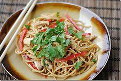 thai peanut noodles with chicken
