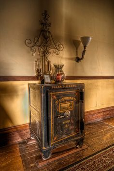 The Haunted Victorian Mansion - TrigPhotography Cheap Mansions, Mansions Homes, Abandoned Mansion For Sale, Abandoned Mansions, Abandoned Places, Selling Your House, Finding A House, Most Haunted Places, Mansion Interior