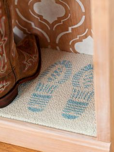 Craft a cheeky welcome with our free boot pattern here: http://www.bhg.com/decorating/do-it-yourself/accents/free-patterns/?socsrc=bhgpin011815welcomematstencil&page=12