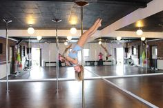 Pole dance spinning combos by Marie Cherry