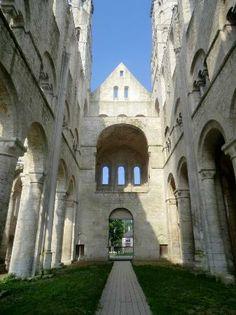 Abadía de Jumièges -Románico en Normandía.