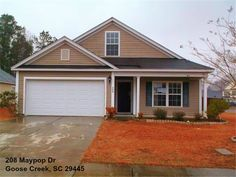 This Goose Creek SC Home for sale is perfect for a growing family!  #GooseCreekSCHomeForSale #JanetKuehn #SouthernBreezesRealEstate