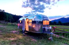 Restored 1954 Flying Cloud Airstream