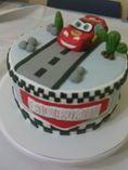 Tarta para comunión inspirada en la película Cars. #tartascreativas #comuniones