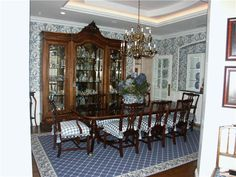 Traditional (Victorian, Colonial) Dining Room by Pamela Green-love this