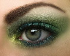 New Year's Trends For 2013 Black Water Snake Eye Makeup Style_46