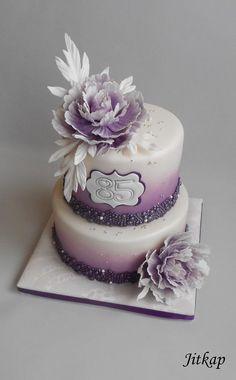 Narozeninový ve fialové s pivoňkami - Cake by Jitkap