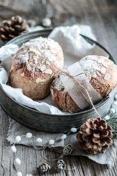 Butter-Marzipan-Stollen