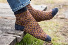 How To Purl Knit, Leg Warmers, High Socks, Legs, Retro, Knitting, Pattern, Sport, Fashion