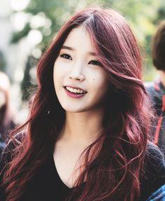 IU   Isn't she lovely?