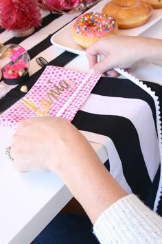 Create your own CUSTOM stockings with Cricut EasyPress!