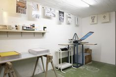 Upcyclist Siebdruckatelier. Desk, Inspiration, Furniture, Home Decor, Paper, Silk Screen Printing, Printing, Quotes, Writing Table